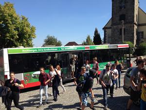 bus-kommt-an
