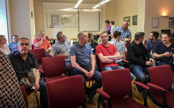 Veranstaltung in Großschönau, Besucher treffen ein