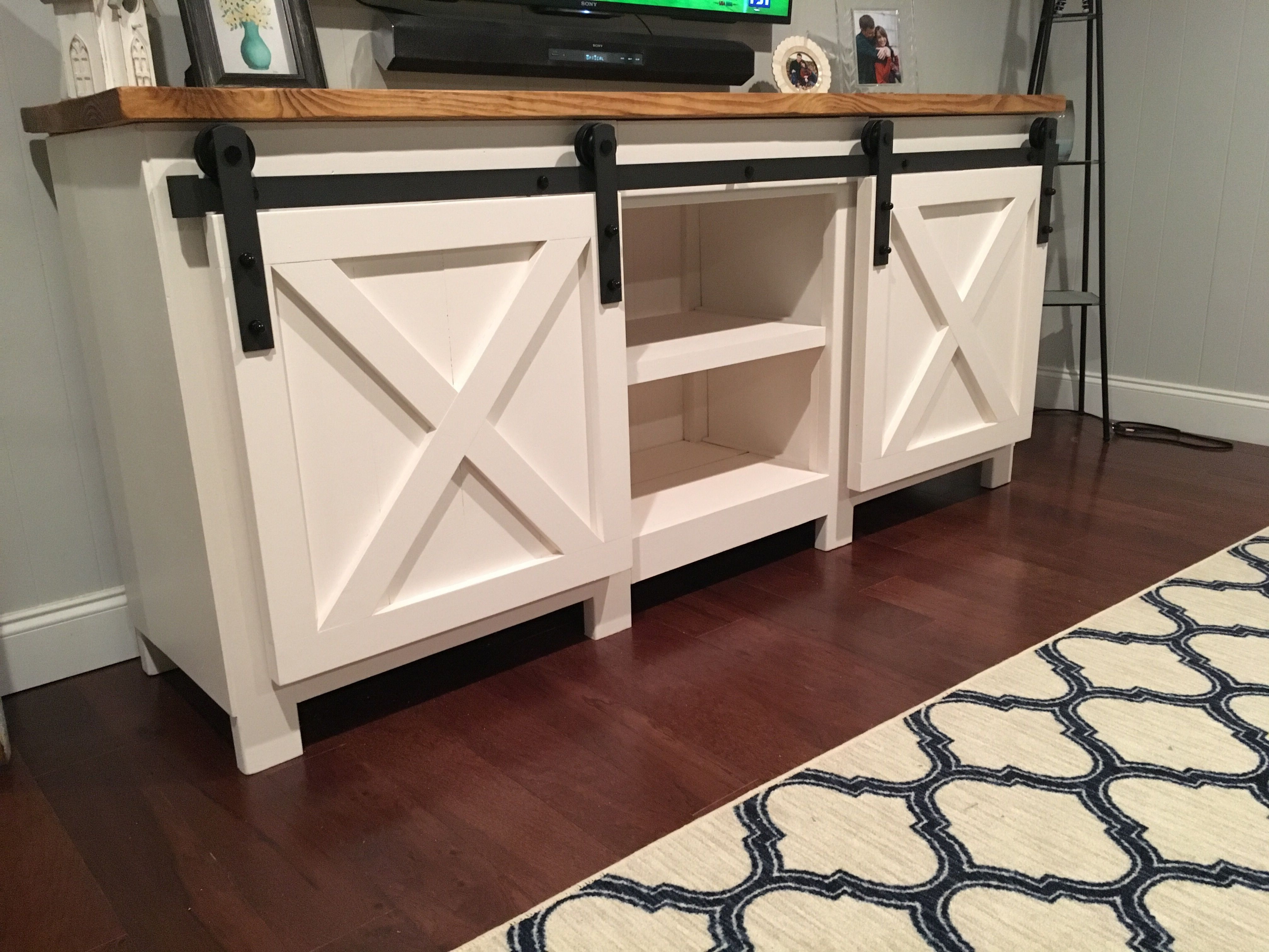 Sears Accent Chairs Free Diy Stand Plans You Can Build Right Now Ana Accent Table With