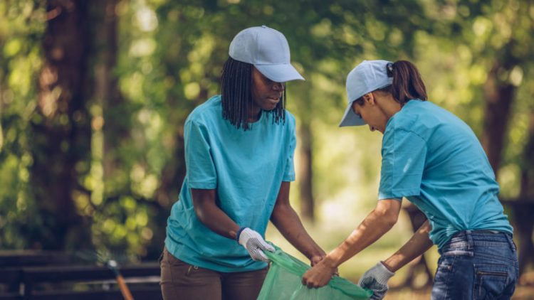 Did You Know These 4 Benefits of Helping Others? | Grotto Network