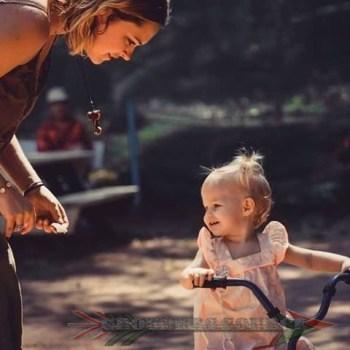 Eliza Taylor And Isla