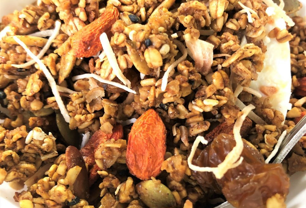 Matcha Ginseng Granola with Goji Berries