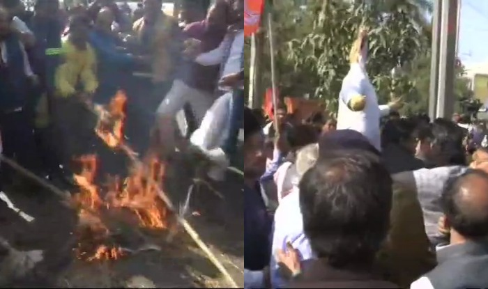 madhya pradesh BJP burning of effigy cm kamalnath in bhopal at board office 2 party worker killed