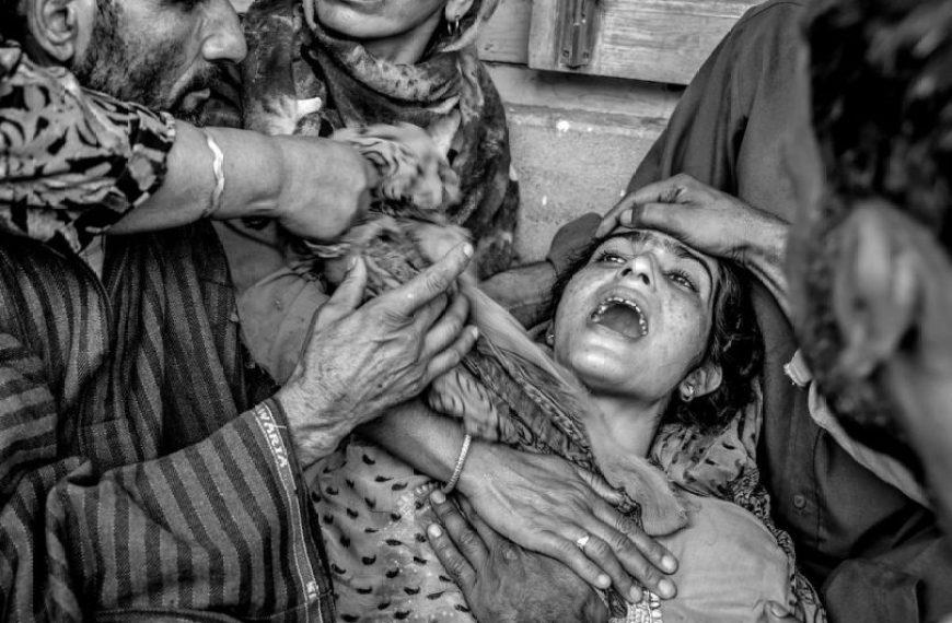 कश्मीर: मेरे लहू में जल उठे उतने ही ताज़ा-दम चराग़..वक़्त की साज़िशी हवा जितने दिए बुझा गई