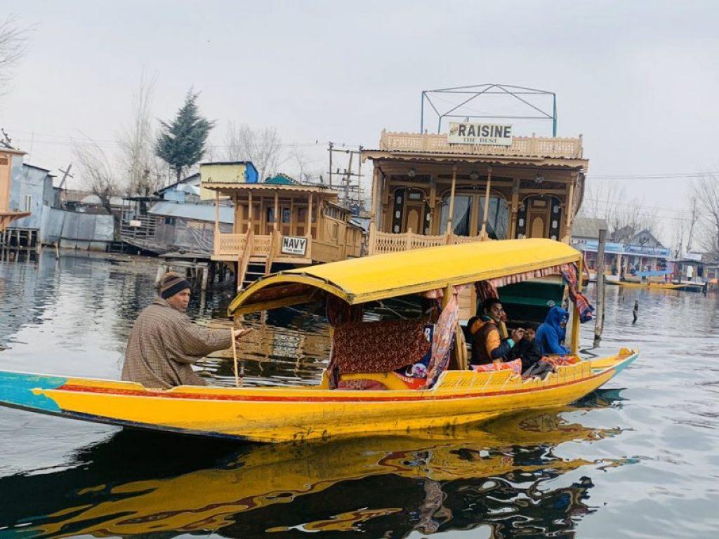 Empty houseboats await tourists in Kashmir