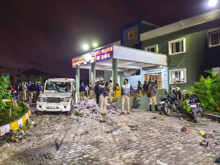 Bengaluru Violence : बेंगलुरु में फेसबुक पोस्ट पर बवाल, तीन लोगों की मौत