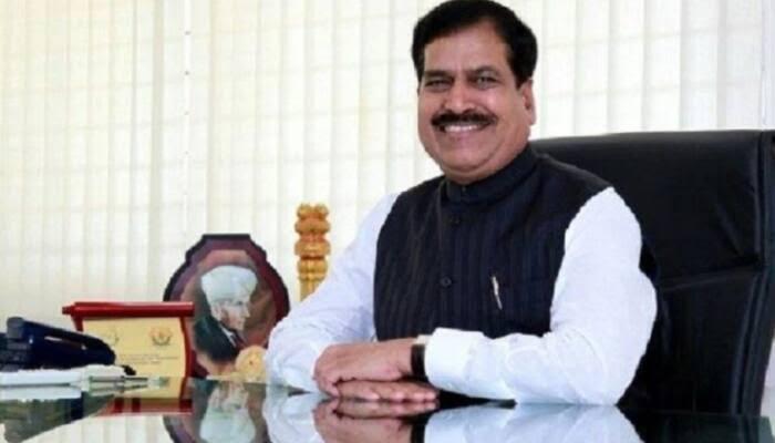 MoS Railways Suresh Angadi dies of coronavirus