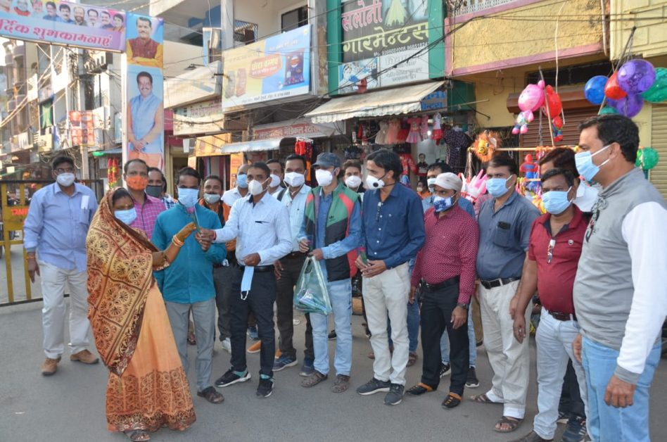 coronavirus: Sehore Provincial Teachers Association runs 'roko-Toko' campaign to prevent covid19, distributes free masks to people