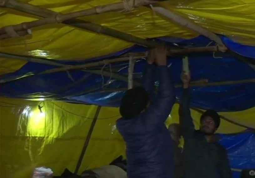 दिल्ली में बारिश, रुह कंपा देने वाली सर्दी, ऐसे में किसानों की परीक्षा