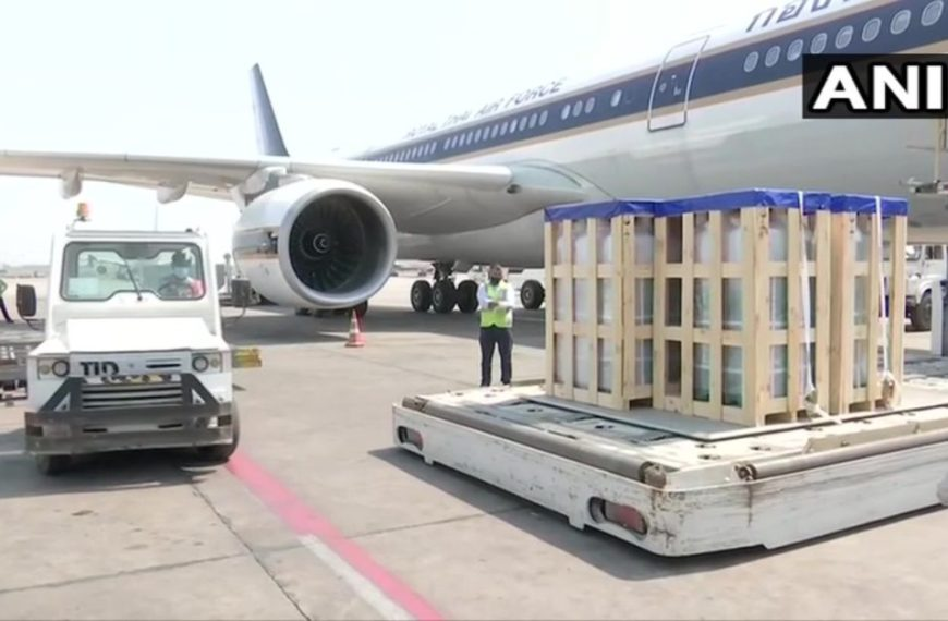 Thailand government sent 200 oxygen cylinders & 10 oxygen concentrators to India