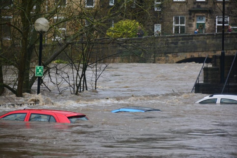 Floods affect 90% of people