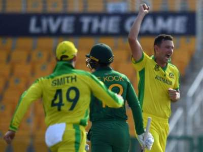 Australia beat South Africa by 5 wickets