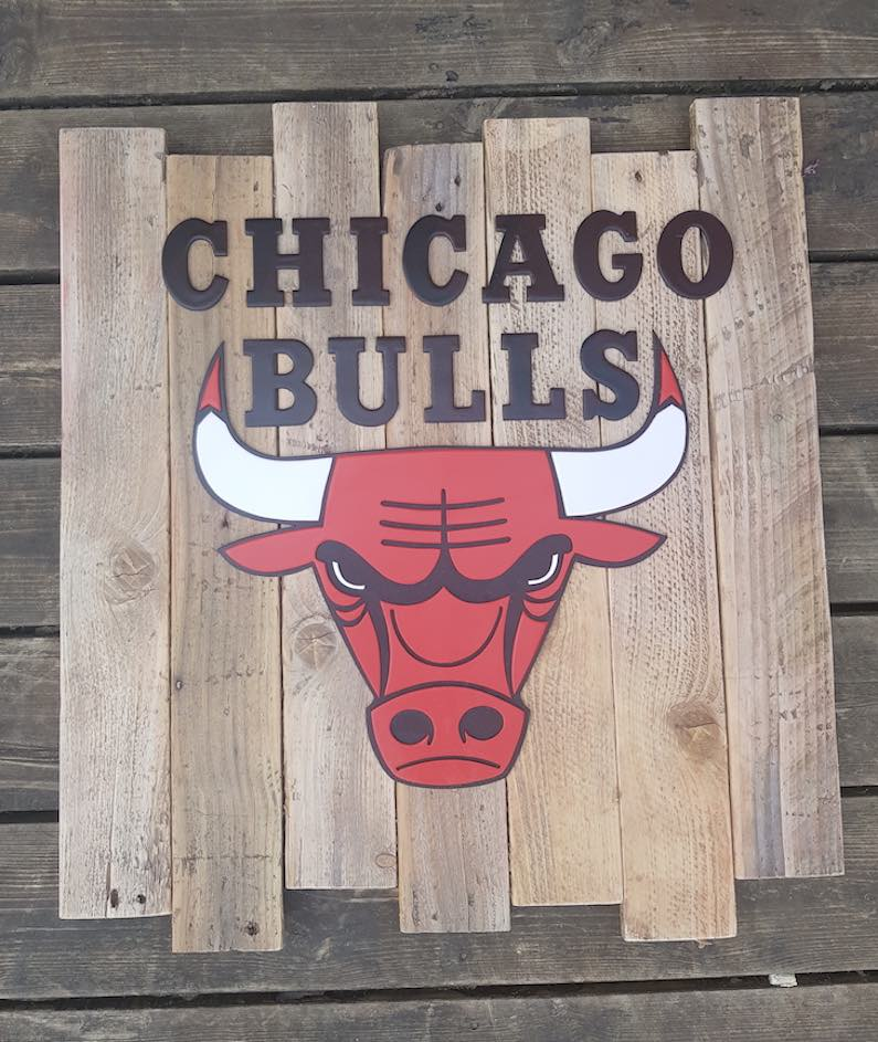 logos-NBA-en-bois-threeflo-chicago-bulls