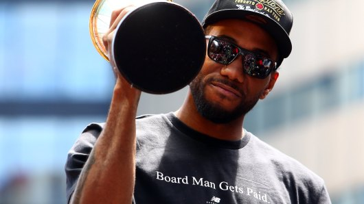 new-balance-look-champion-kawhi-leonard-nba-couv