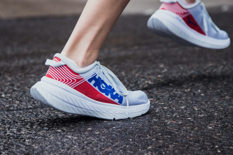 chaussures de running hoka one one carbon x