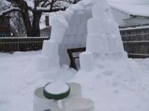 Making Igloo -purposed 5-gallon Pickle Buckets