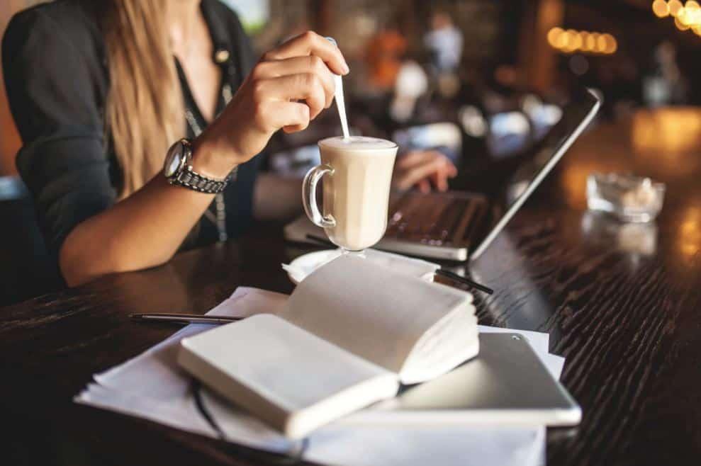 Cafe-Work-Space-via-snapmunk