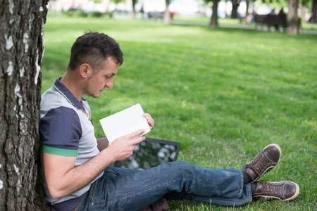 Discipleship Devotional Study Guide - Wisdom - Proverbs 8:32-35 - Do Not Ignore It - Growing As Disciples
