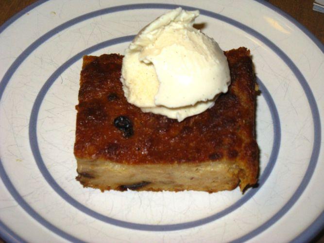 bocado de reina - Guatemalan bread pudding
