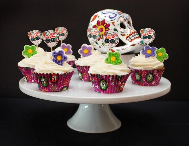 Dia de los Muertos Day of the Dead cupcakes