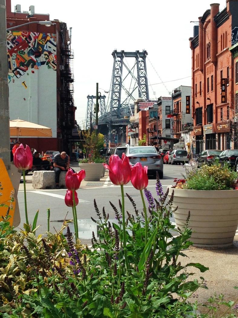view of Williamsburg bridge in Brooklyn