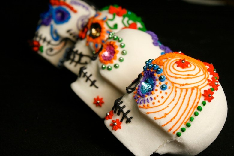 Day of the Dead : How to make sugar skulls for Dia de los Muertos