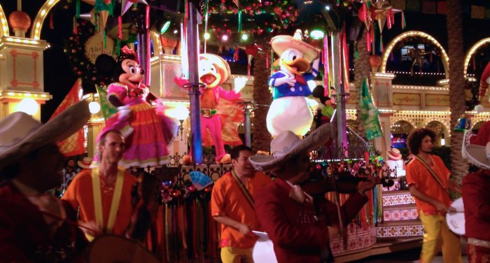 Viva Navidad Disneyland The Three Caballeros