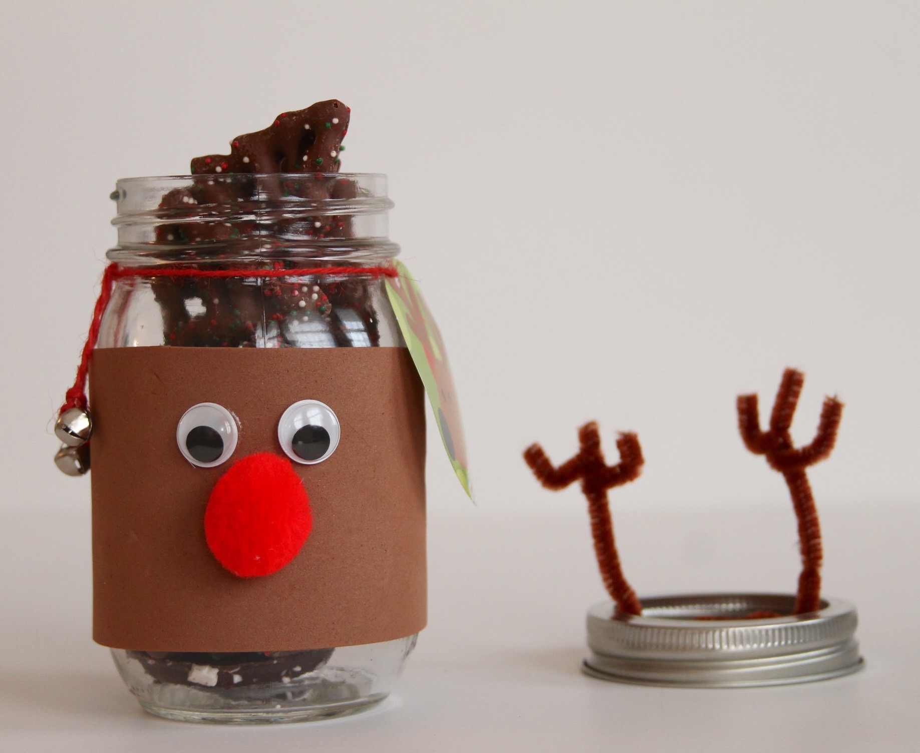 Giving Back This Holiday Season Diy Reindeer Mason Jars
