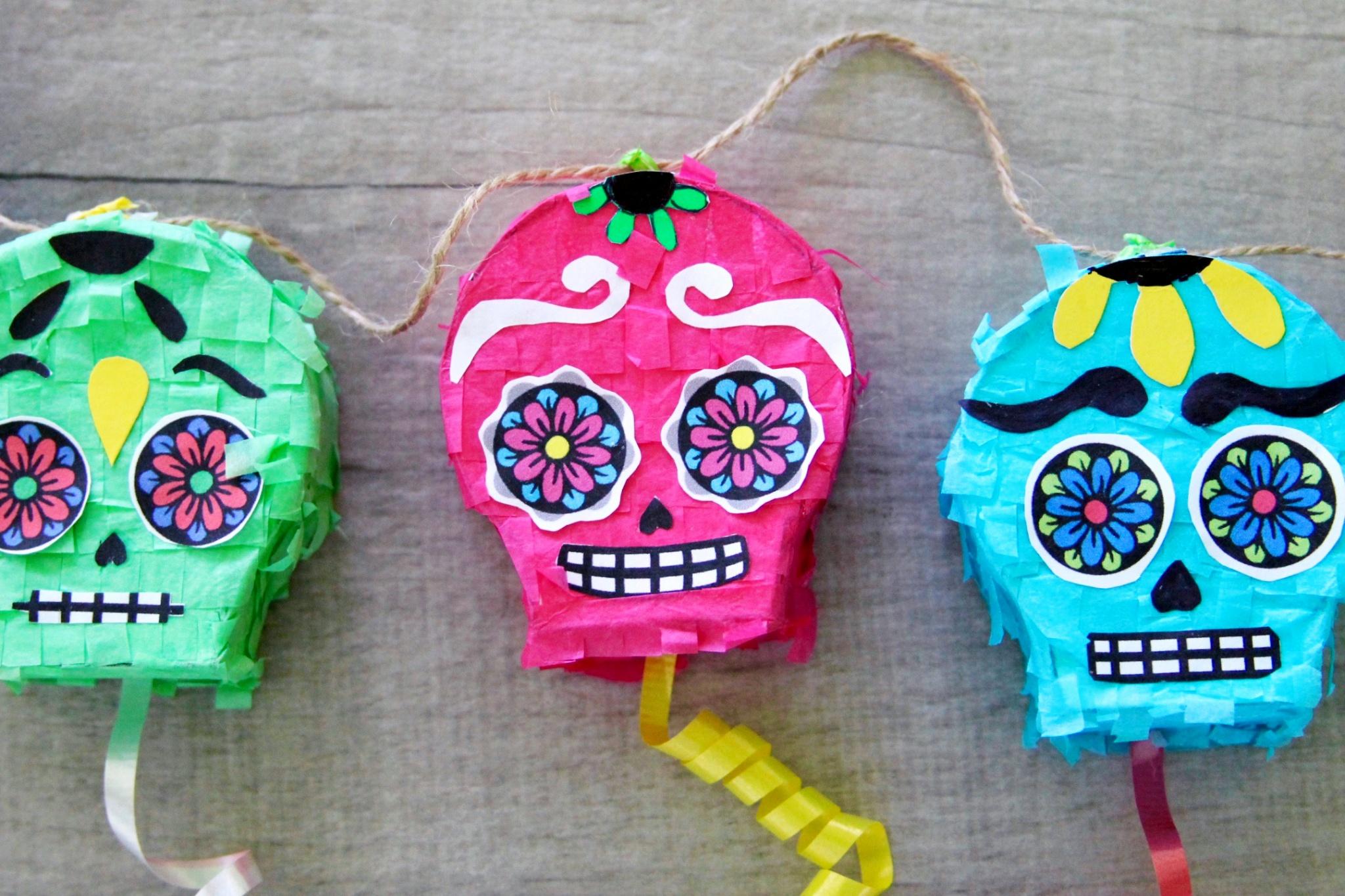 DIY Day Of The Dead Sugar Skull Piñata Garland - Growing Up Bilingual