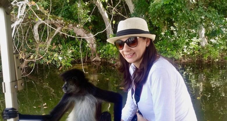 Las Lagunas hotel boat tour to monkey islands