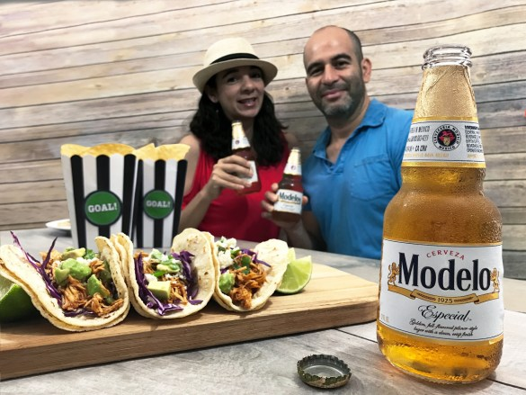Modelo beer and couple