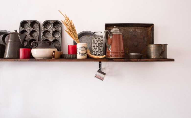 tips for styling open kitchen shelves