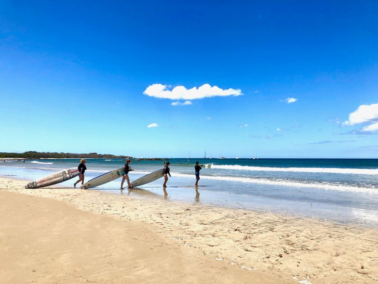 Surfing lessons at Tamarindo beach