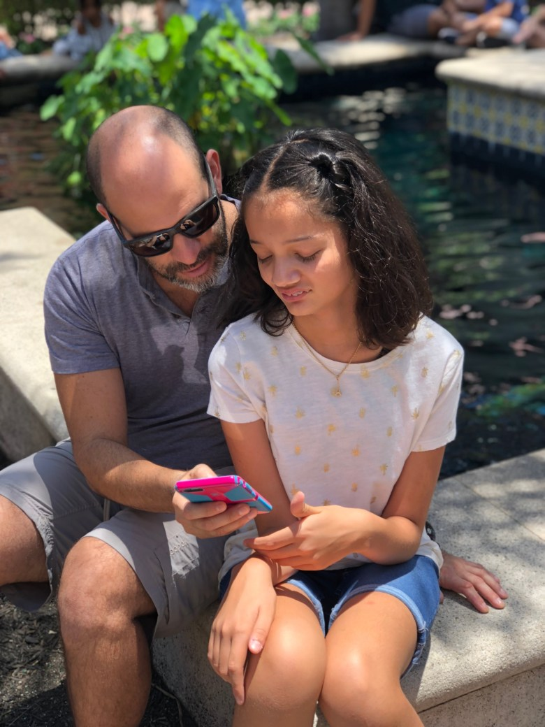3 Things I Wish I Knew Before Giving My Kids Their First Phone