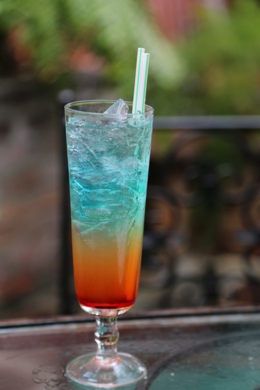 Rainbow Cocktail and other refreshing cocktails that are perfect to enjoy this spring