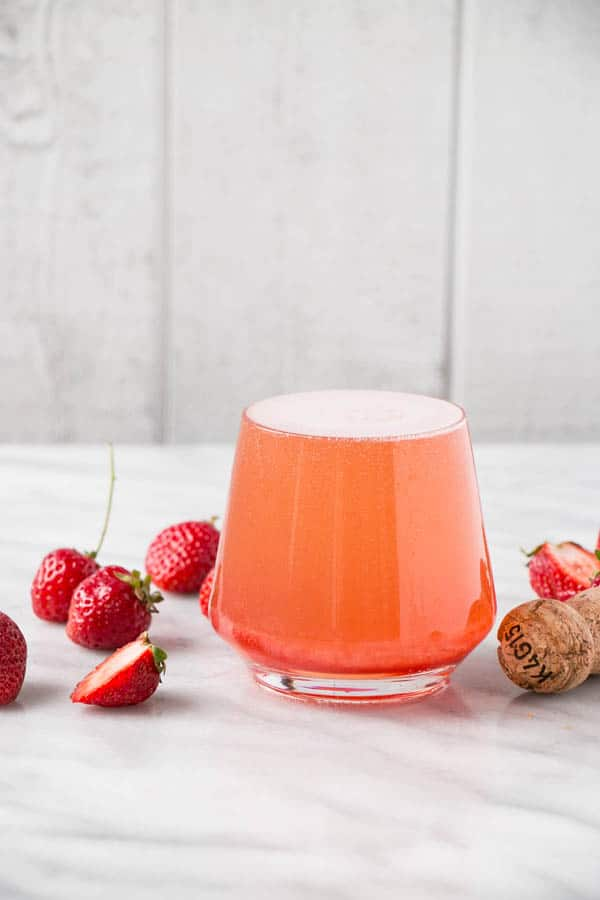 Strawberry Rose Aperol Spritz Cocktail and more refreshing cocktails recipes to celebrate spring
