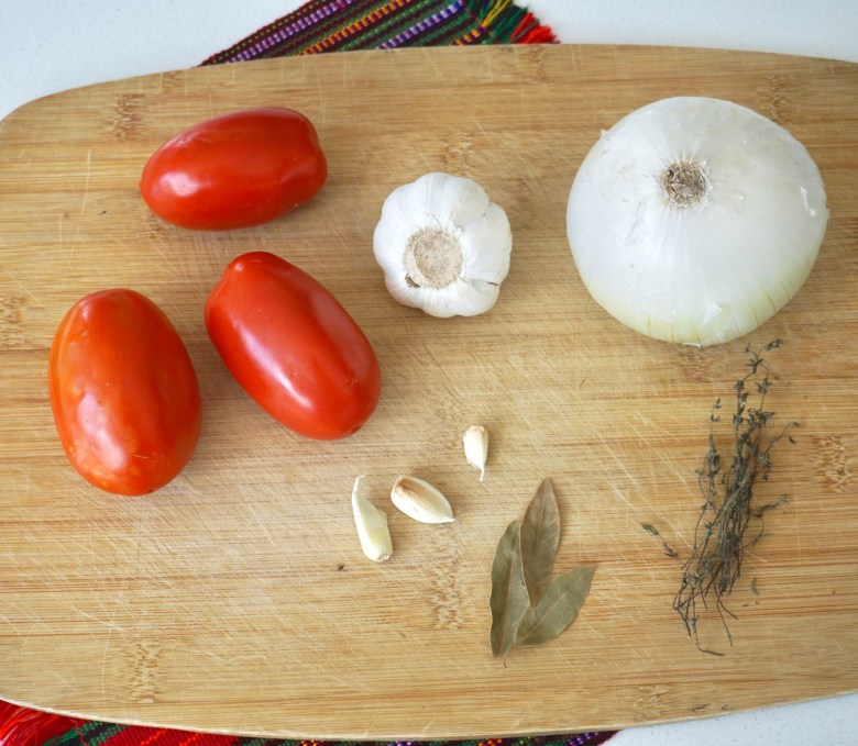 Tomato sauce for chiles rellenos