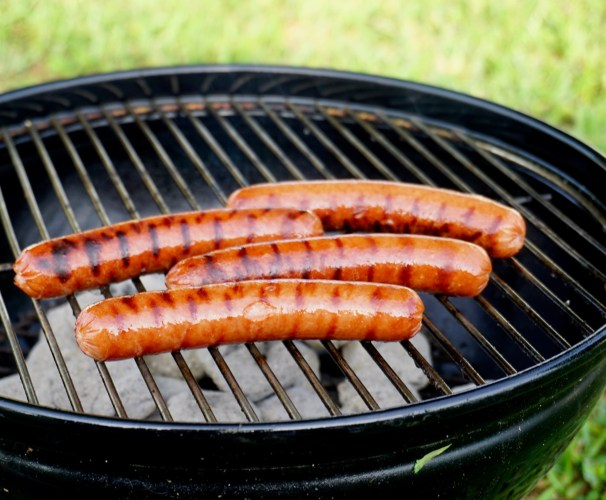 Tips For Grilling Safely to Prevent Foodborne Illness