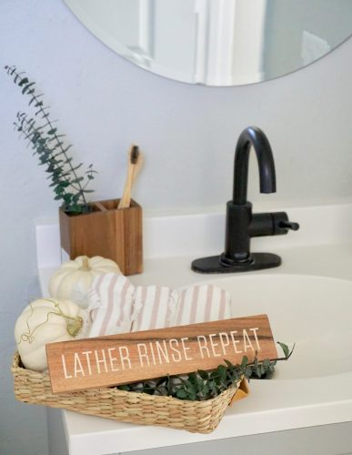 styling a fall bathroom tray