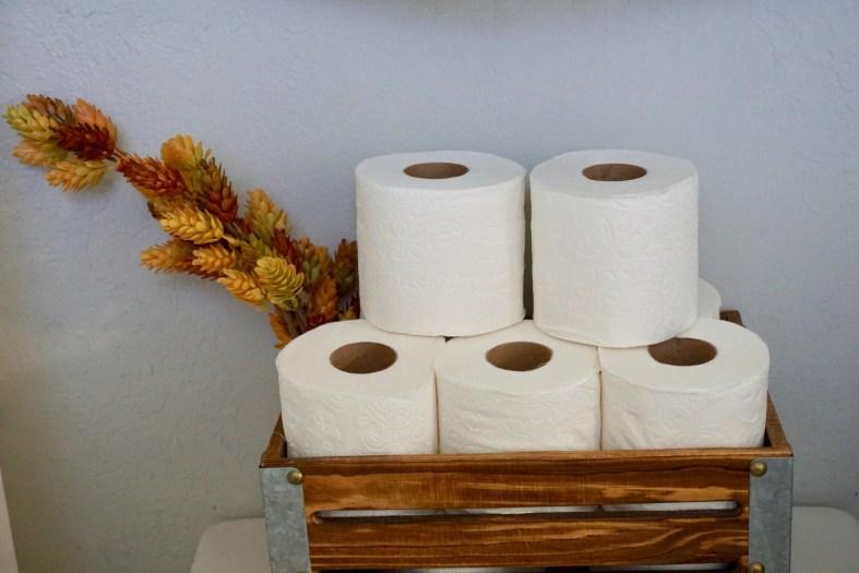 fall bathroom decor and organization ideas