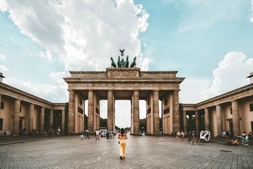 How to Work as a Freelancer while Traveling in Germany