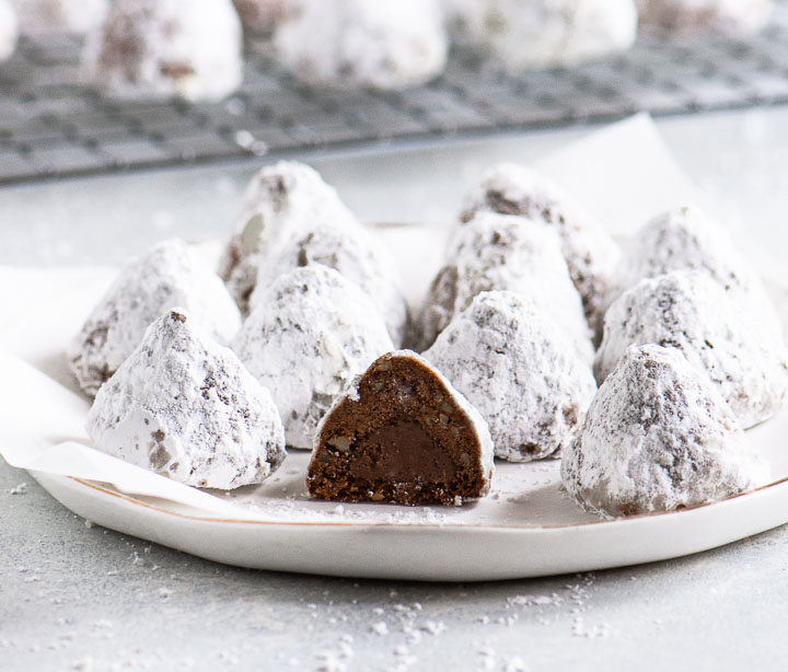 chocolate snowballs cookies