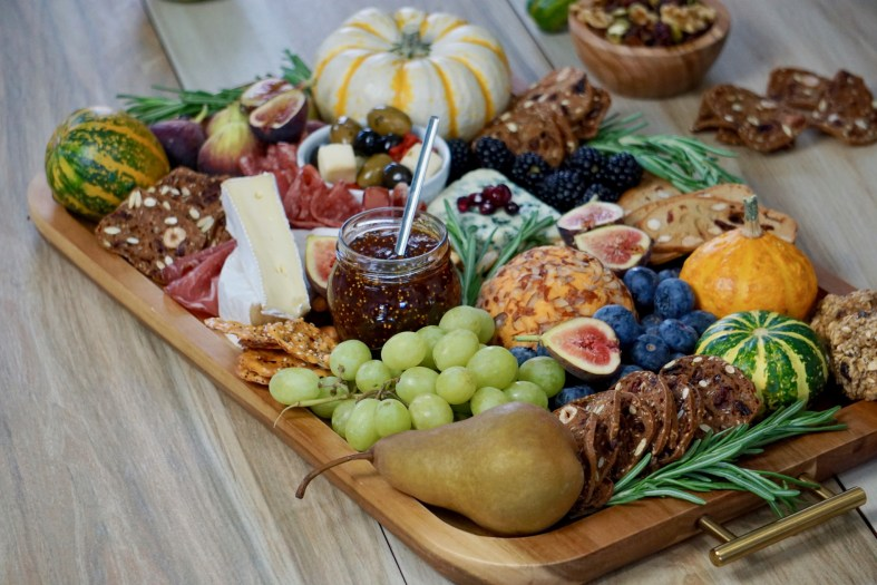 How to make the best Thanksgiving charcuterie board