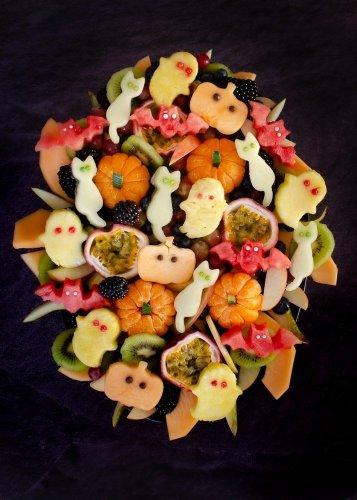 Halloween-Fruit-Salad-and other healthy Halloween breakfast ideas