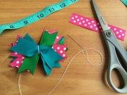 make hair bows of ribbon