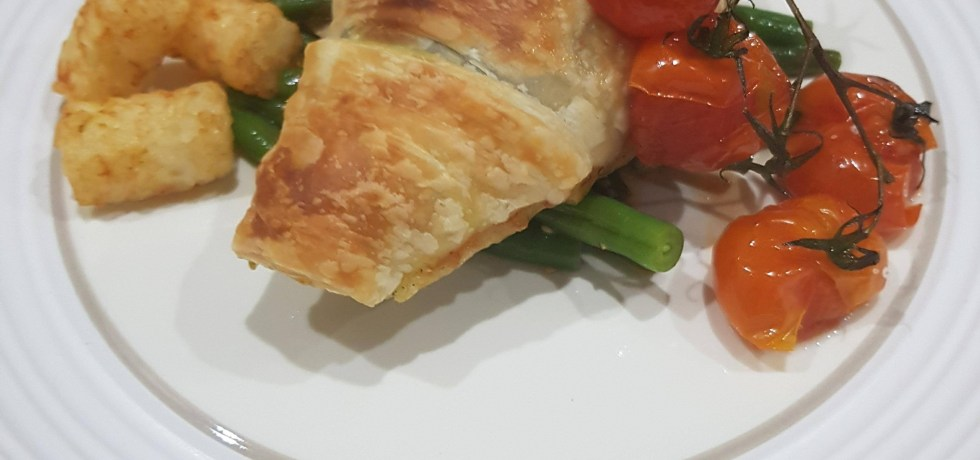 Serving suggestion for Jamie's Flaky Pastry Pesto Chicken.