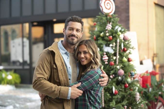 "A Welcome Home Christmas:"" Lifetime's Holiday Movie Salutes Veterans"