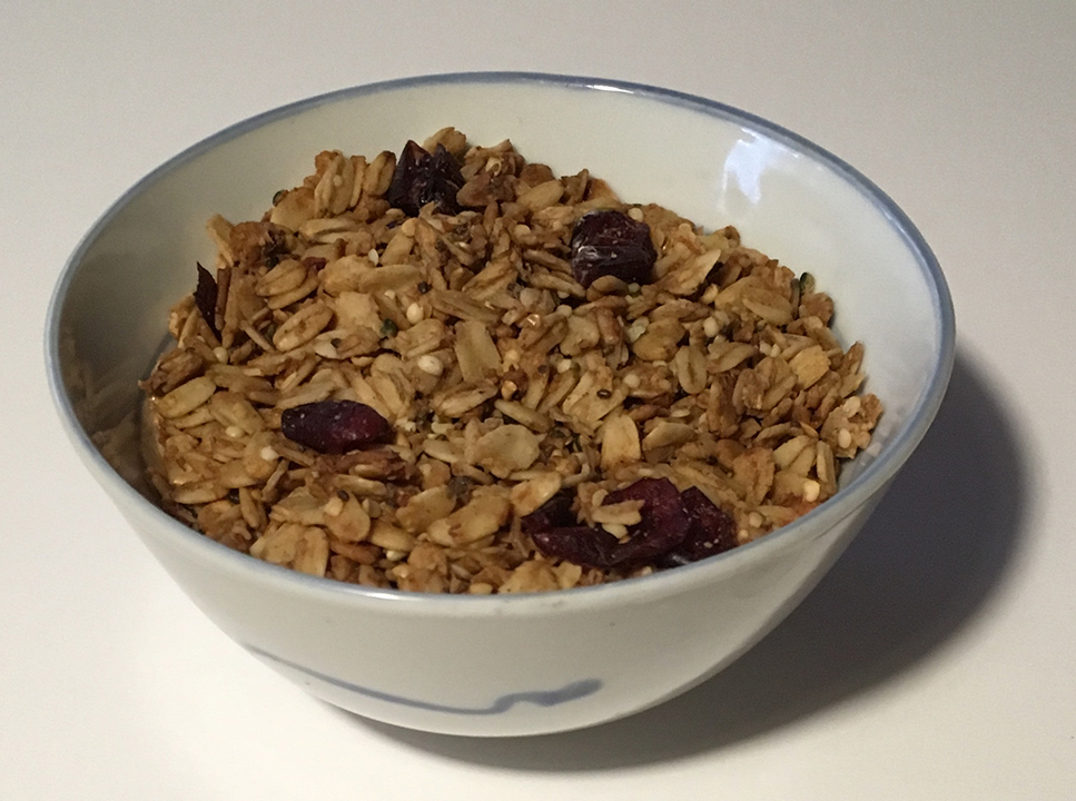 WEEKLY RECIPE – Granola with Hemp Hearts