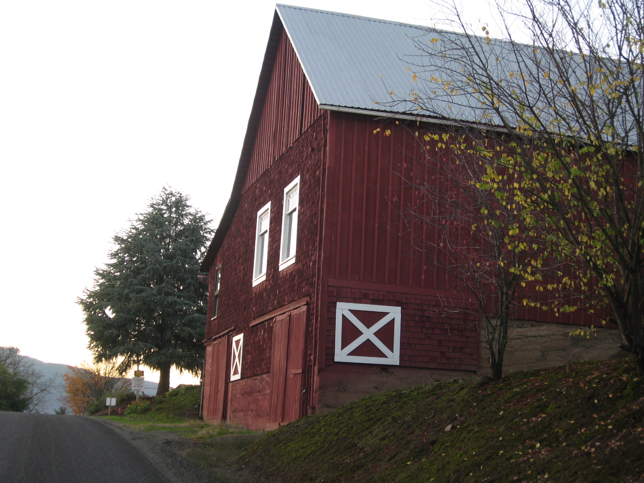 forest-grove-barn