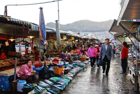Jalgachi-market-strip